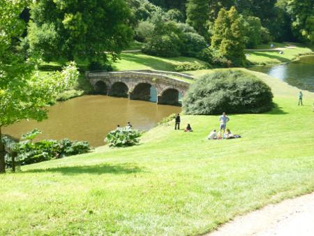 images/stourhead-bridge.jpg