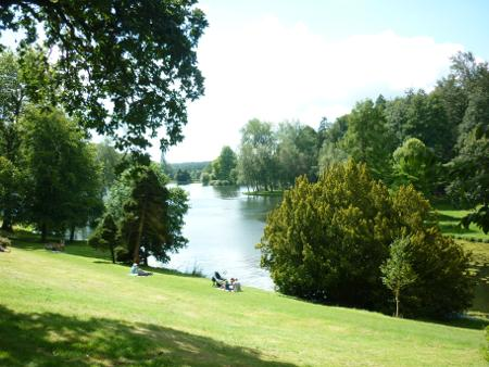 images/stourhead-lake-1.jpg