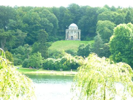 images/stourhead-temple-apollo.jpg